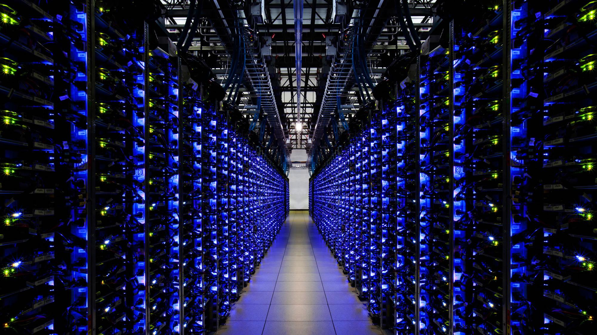 Dedicated Server Là Gì? Tìm Hiểu Về Dedicated Server Là Gì?