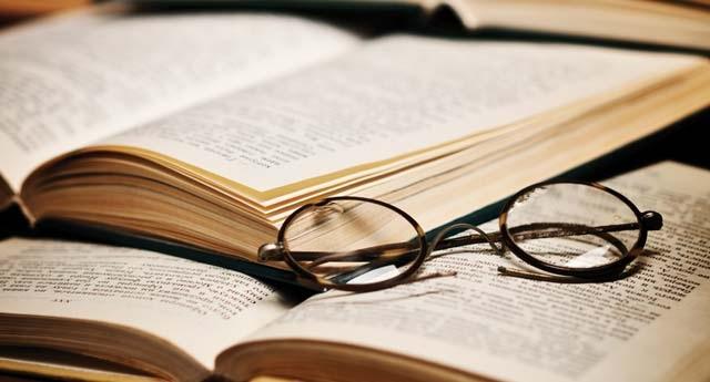 Nhà Văn Là Gì?  Tìm Hiểu Về Nhà Văn Là Gì?